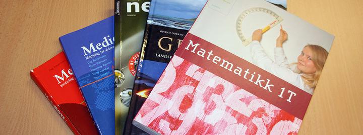 Bilde av lærebøker