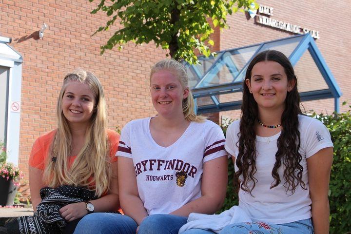 Frå venstre: Hanne, Hrafnhildur og Phoebe. Foto: Rune Dale.