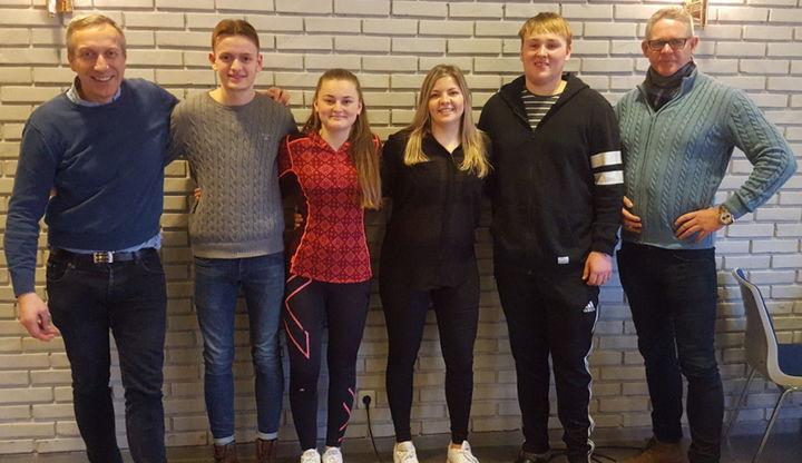 Frå venstre: John Heimvik, Markus Nordbø, Emma Haugland, Ronja Kvamme, Per Haus Nore og Holger Aasen. Simon Skivenesvåg var ikkje til stades då bildet vart teke.