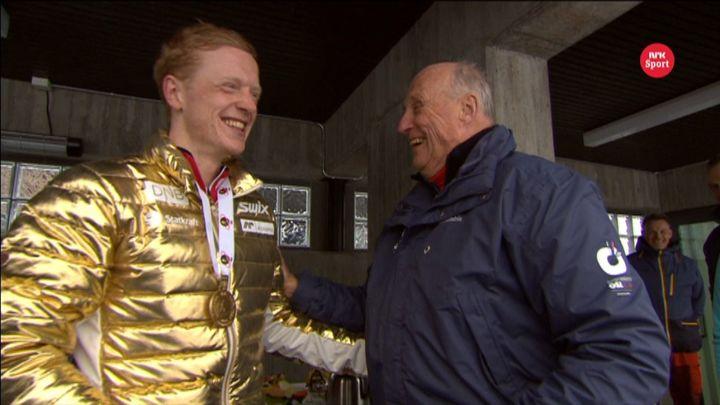Johannes Thingnes Bøe og Kong Harald. Foto NRK