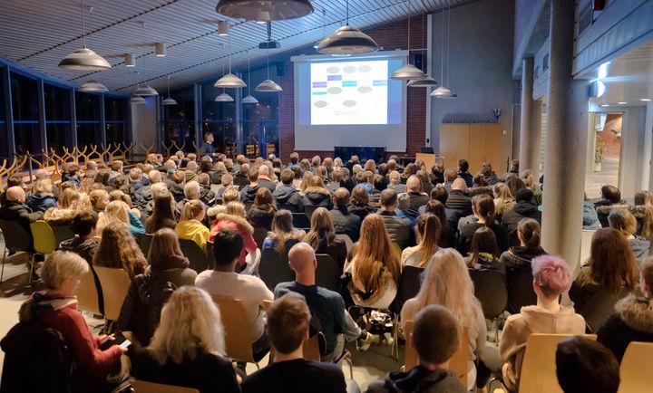 Foreldremøte for tiandeklasse på Hafstad vgs 19 januar - foto Ole Johnny Devik