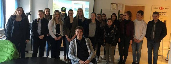 Elevar på bedriftsbesøk hos Norgesvinduet Bjørlo
