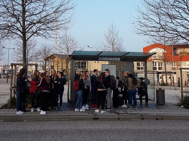 Elevane klar til skule på tysdag kl 08.00. I Frankrike.