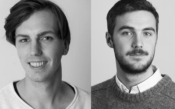 Svart-kvitt portrettfoto av Kristoffer Aas og Håkon Vikøren.