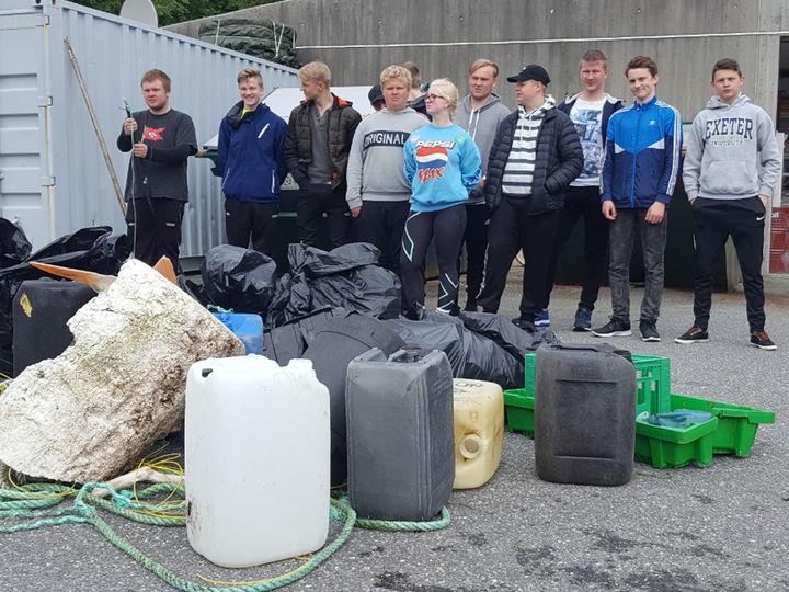 Dette blei samla inn på om lag 300 m strandlinje i Vågsfjorden