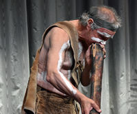 Ian Hunter didgeridoo 1200p
