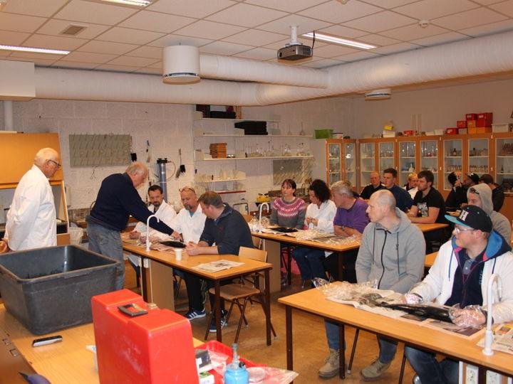 Kursdeltakarane saman med Jan Arne Holm frå Fishguard og Jan Perry Ostnes frå MVS.