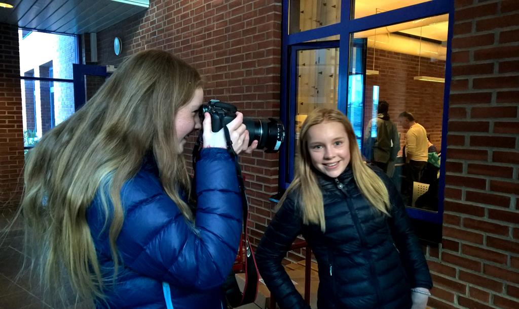 Foto, Medium og kommunikasjon - utdanningsval, Blide jenter, foto Mona fossdal.jpg