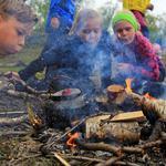 Friluftsskole Lyngen  2017_bålblåsing_Tine Marie Hagelin