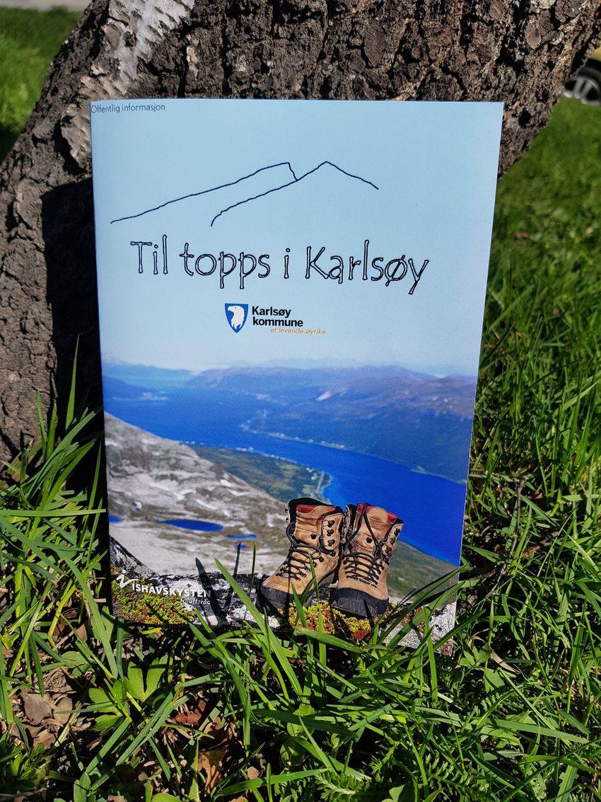 Til topps i Karlsøy. Turhefte i samarbeid med Karlsøy kommune og Ishavskysten friluftsråd.