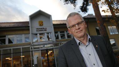 Rådmann Svein Skisland sier vi må være nøye og strenge nå, for å hindre total nedstegning utover sommeren.