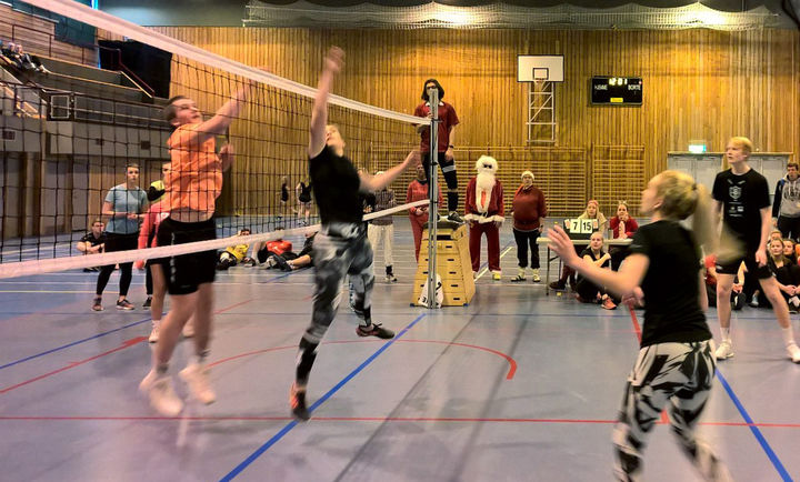 Juleavslutning og volleyballkamp