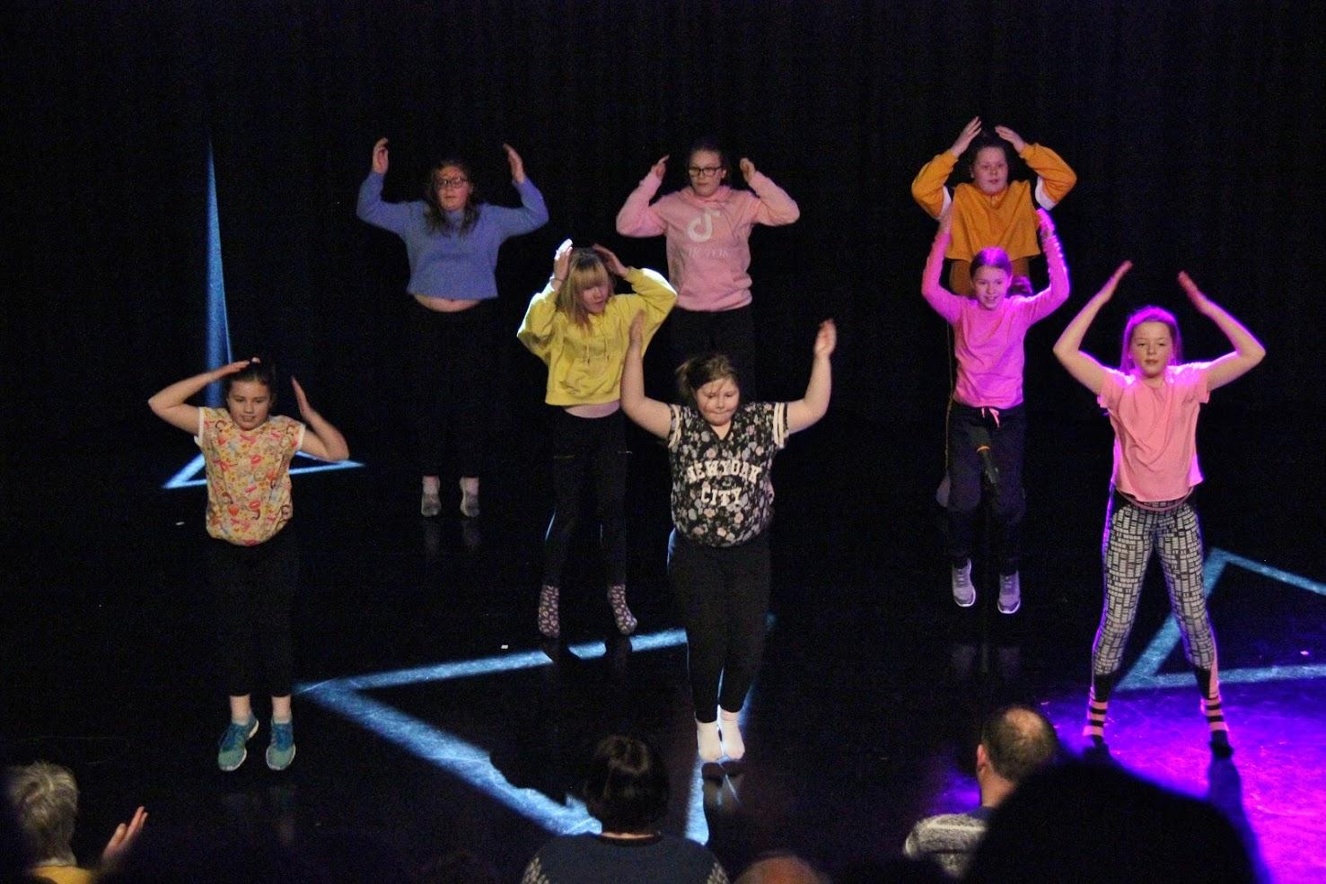 Dansende barn ved kulturskolen.jpg