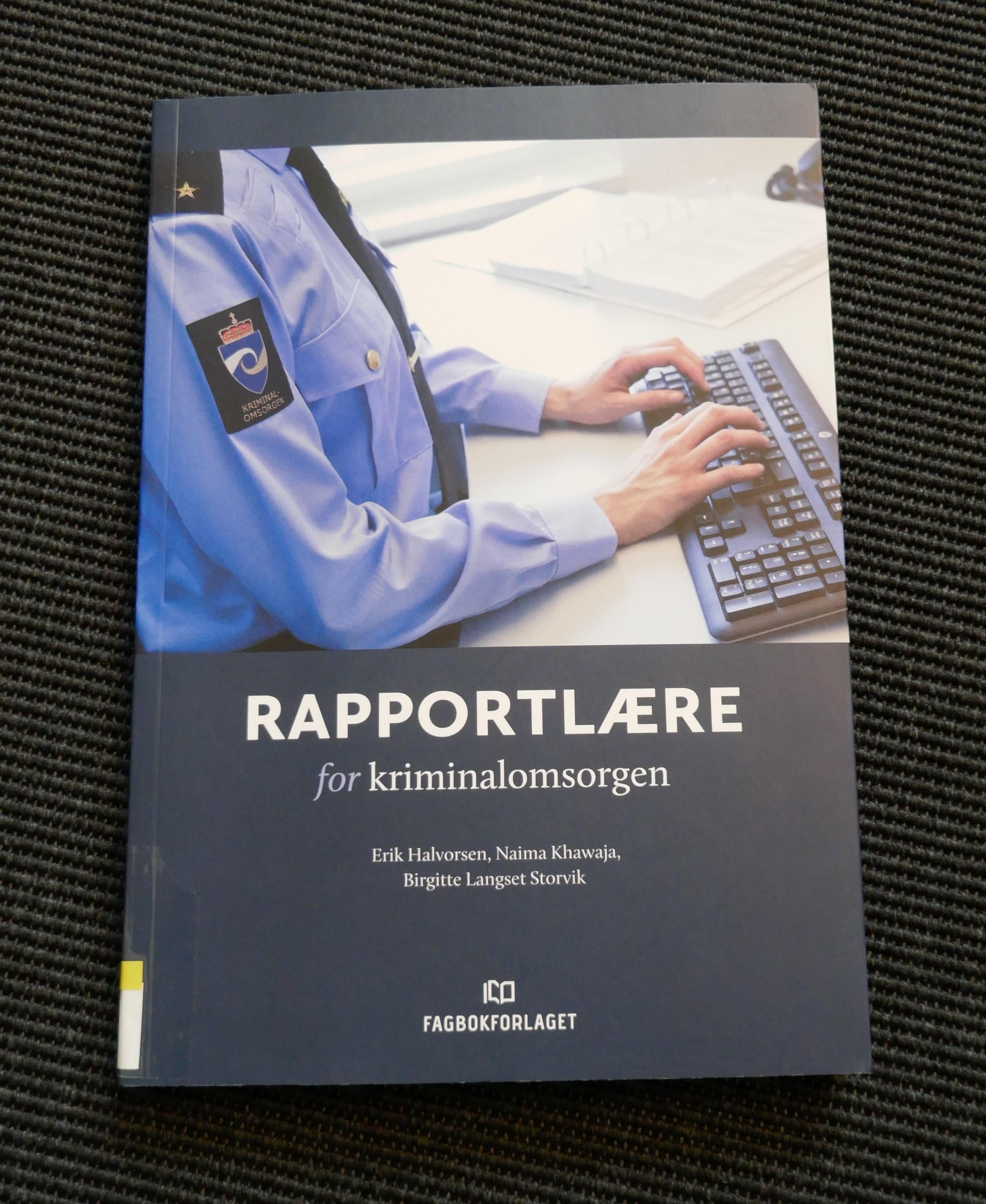 Rapportlære - forside på boka.jpg