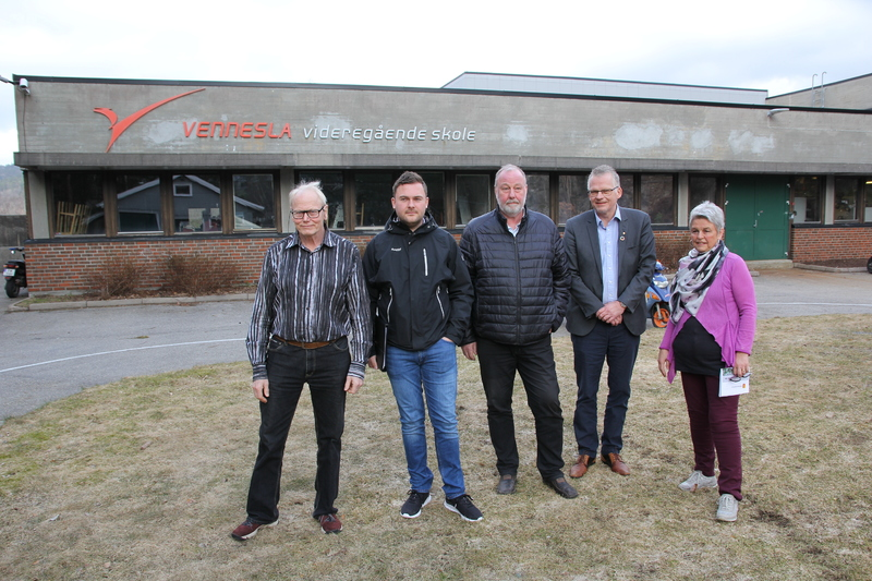 Møte foran Vennesla videregående skole