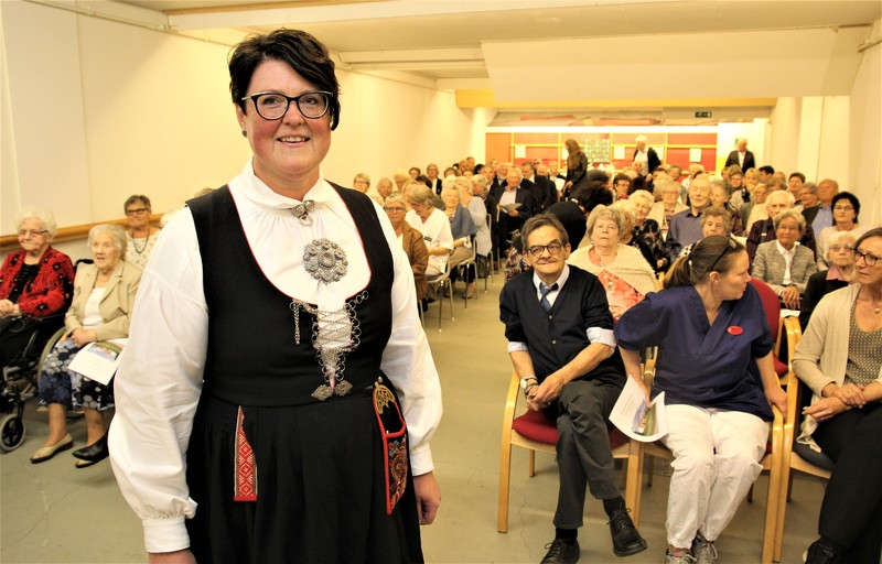 Anita B Åsan og de ansatte på Hægelandsheimen hadde invitert mange til 50årsfeiring