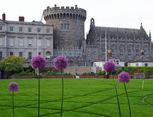 Castle med blomster foran - beskåret 1200p