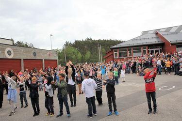 Folkfest i skolegården