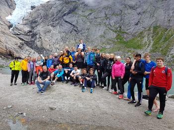 1STA og 1STB i Briksdalen   Foto: Leiv Arne Egseth