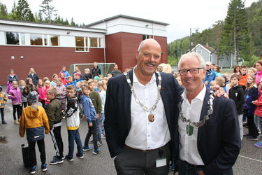 Fung. fylkesordfører Tore Askildsen og ordfører Nils Olav Larsen.