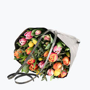 190102_blomster_tulipanbukett