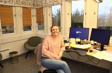 Karolina Heistad trives på nytt hjørnekontor
