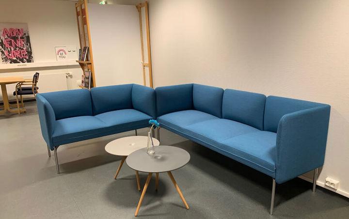Nye møbler på biblioteket