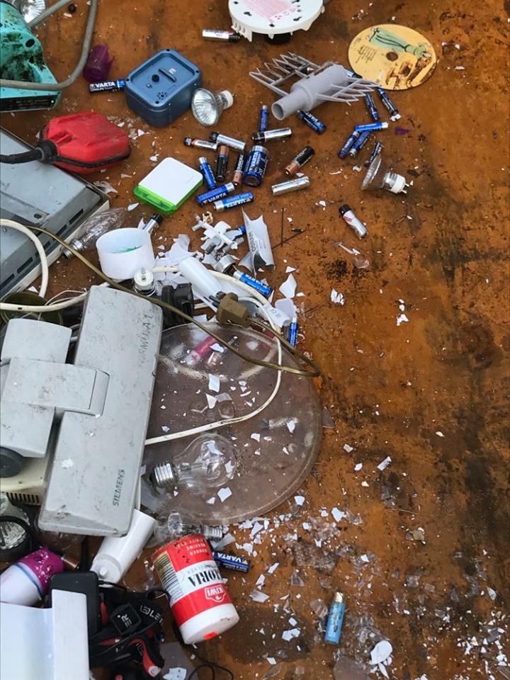 Farleg avfall i container