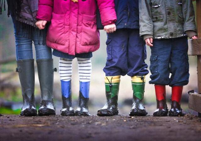 Barn i støvler