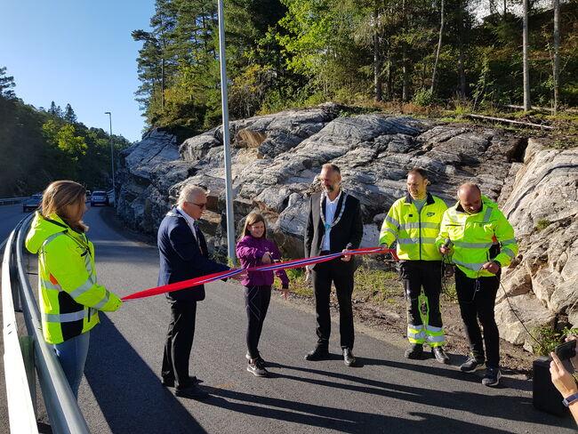 Gang- og sykkelvei fra Jåbekk til Strømsvika ble åppnet 16. september 2020.