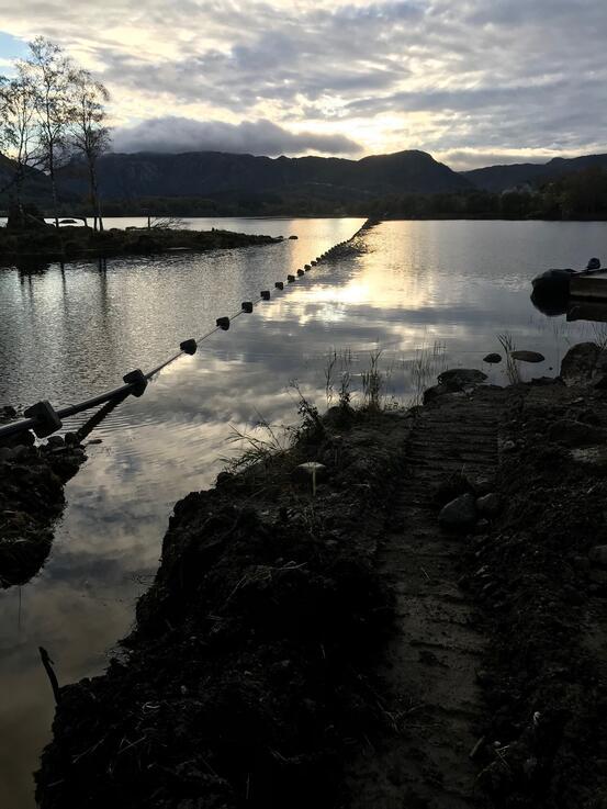 Ny vannledning senkes ned