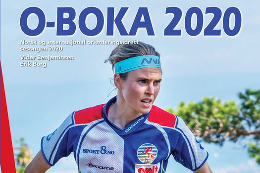 Andrine Benjaminsen pryder forsiden av O-boka 2020.