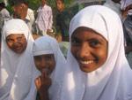 Nasrim og venninner i barneklubben