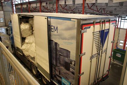 Vartdal Plast henter EPS hos miljøstasjonen i Hovdebygda
