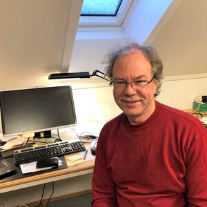Kommuneoverlege Per Kjetil Dalene skal dirigere et stort vaksineapparat. Etter hvert som vi får vaksine, øker vi aktiviteten. Følg med på hjemmesiden til Vennesla kommune. Der er egen vaksineside.