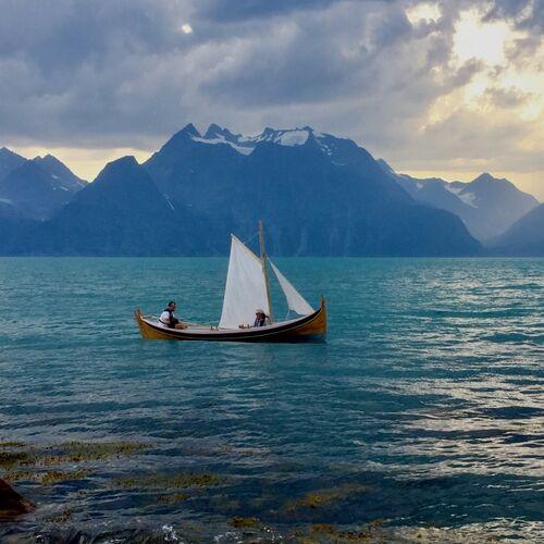Nordlandsbåt under seil