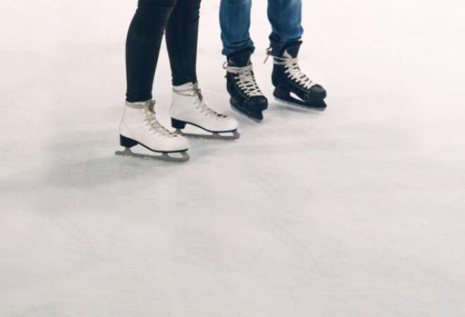 Skøyter på isbane