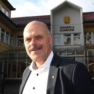 Ordfører Nils Olav Larsen ber alle ta kloke valg. Da unngår Vennesla å innføre forskrift igjen.