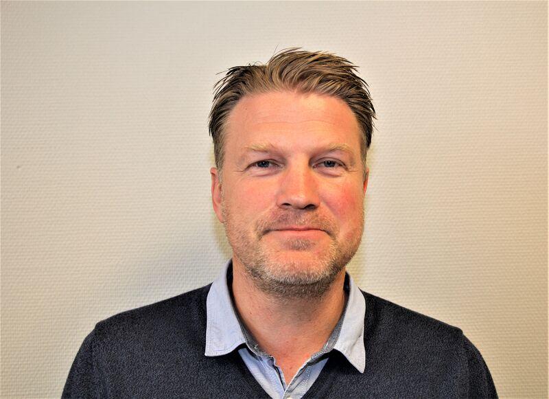 Svein A. Hornnes blir rektor både på Samkom skole og Vennesla skole.