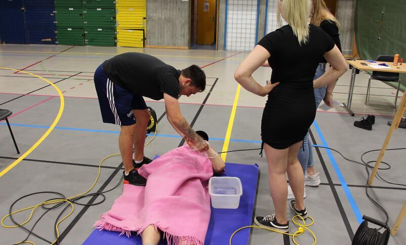 Elevar lærer førstehjelp
