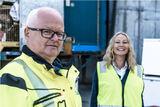 Kommunikasjonsansvarleg i Sirkel AS, Gunhild Solberg besøkte nyleg VØR for å dele ut gratulasjonar