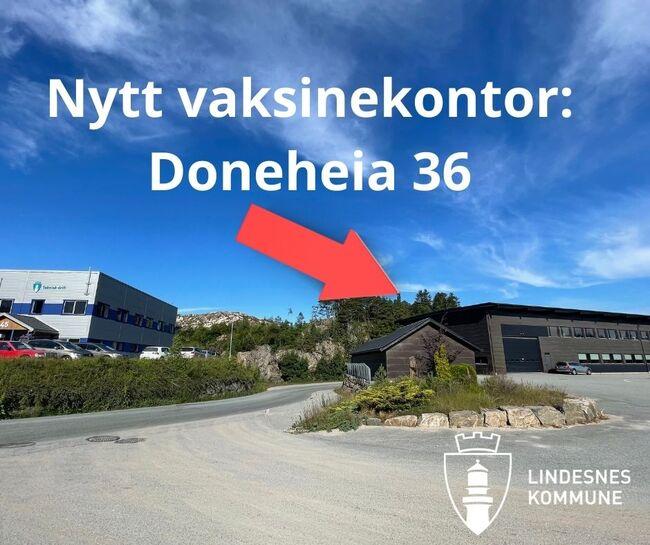 Vaksinekontor: Vaksinekontoret (det mørke bygget) har flyttet til Doneheia 36. Bildet er tatt ovenfra. Når du kommer kjørende opp Doneheia ligger Vaksinekontoret vis a vis Teknisk drift, på venstre side av veien.