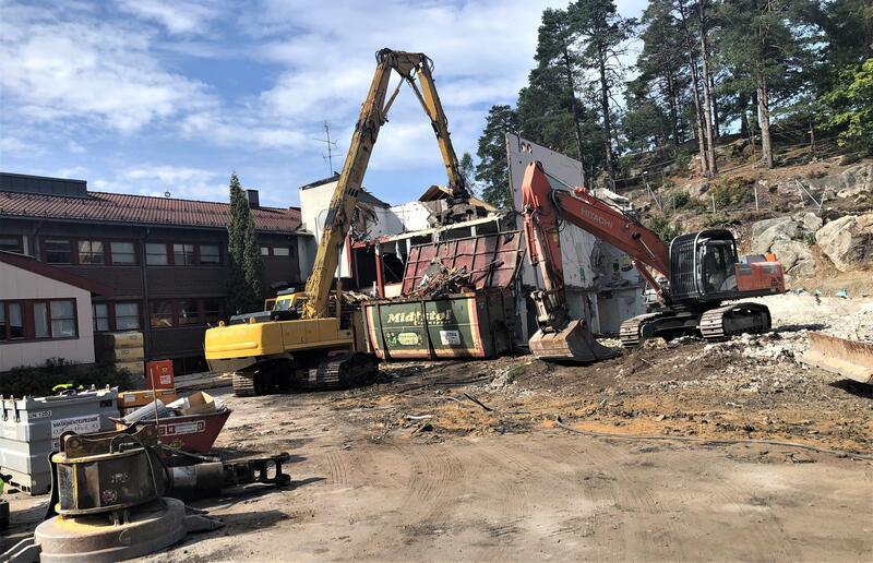 Rivingen av gamledelen ved Vennesla skole er ferdig midt i september.