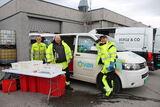 Bilete av tilsette under farleg avfall i aksjon på Folkestad