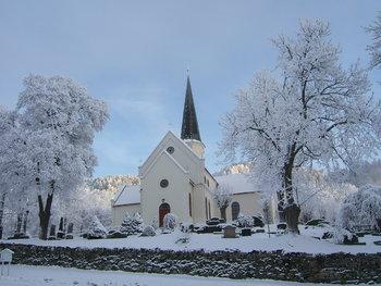Vinderbilde av Heggen kirke. Klikk på bilde for stor versjon